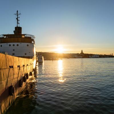 Lastfartyget Fryken från sjösidan
